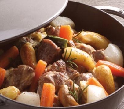 Saut de porc au curry avec petits l gumes et miel cocottes en fonte - Saute de porc cocotte minute ...